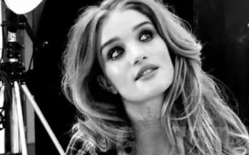 Rosie Huntington-Whiteley: Social media is crucial!